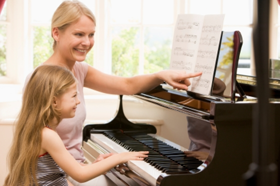 First Piano Lessons: Getting Started - Let's Play Music